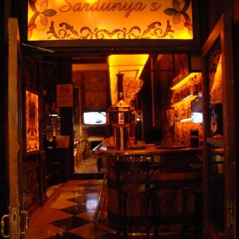 รูปภาพถ่ายที่ Sardunya's Brasserie Bomonti ve Şarap Evi โดย Hami T. เมื่อ 4/7/2012