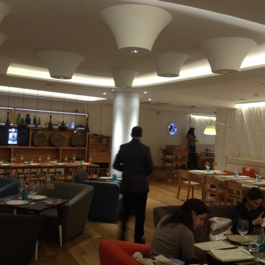 Foto scattata a Poncelet Cheese Bar da Gonzalo C. il 3/10/2012