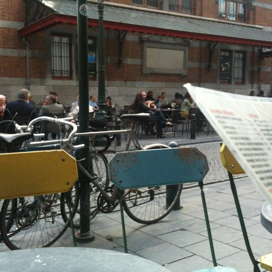 Foto scattata a Zebra Bar da Mister emma D. il 6/17/2012