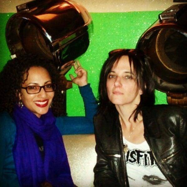 Foto diambil di Beauty Bar oleh Yari A. pada 4/27/2012