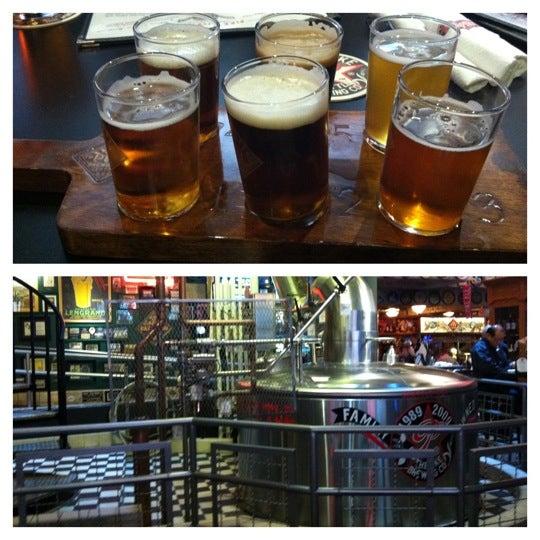 Das Foto wurde bei Pike Brewing Company von Katie C. am 6/24/2012 aufgenommen