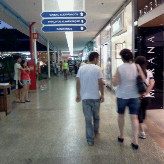 Foto diambil di Shopping Rio Claro oleh Victor C. pada 9/7/2012