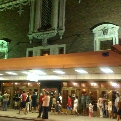 Photo prise au The Byrd Theatre par Veronica P. le8/18/2012