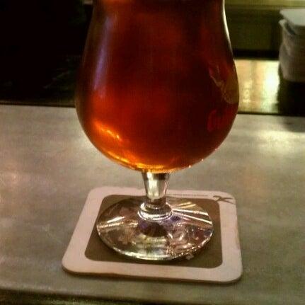 Photo prise au Buddha Beer Bar par Diana O. le8/4/2012