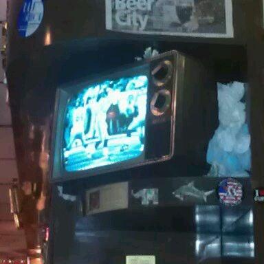 2/5/2012にBen T.がHigh Life Loungeで撮った写真