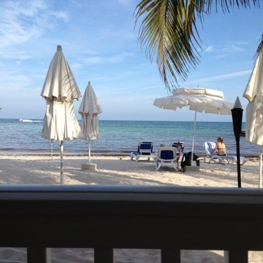 Foto tirada no(a) Southernmost Beach Cafe por Andrew S. em 5/11/2012