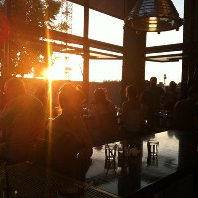 Das Foto wurde bei UnderBelly von Yasmine T. am 8/12/2012 aufgenommen