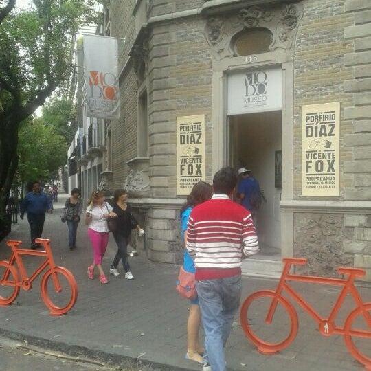 Das Foto wurde bei MODO Museo del Objeto del Objeto von Sarah V. am 4/15/2012 aufgenommen