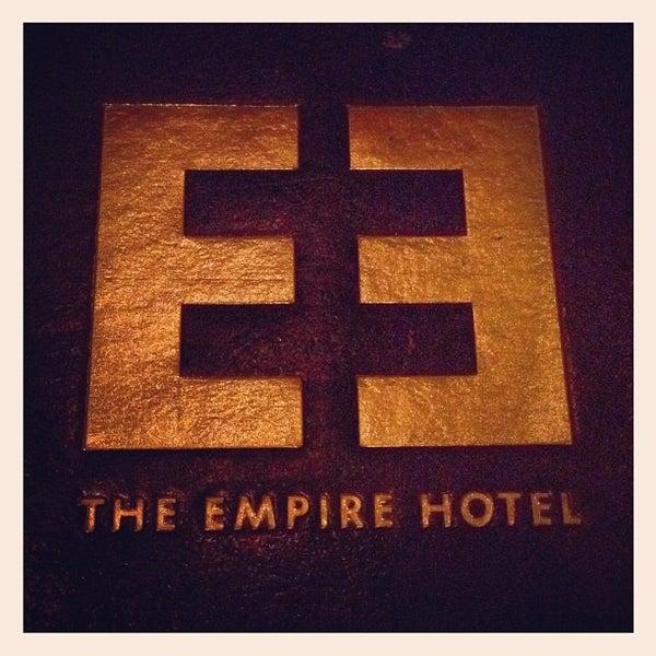 Снимок сделан в The Empire Hotel пользователем Trent V. 2/28/2012