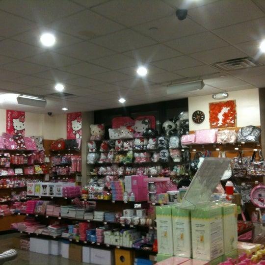 รูปภาพถ่ายที่ New Kam Man โดย Pinkky M. เมื่อ 2/29/2012