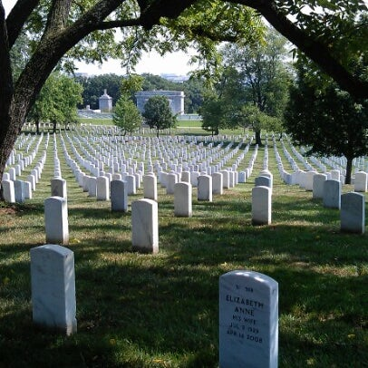 Photo prise au Arlington National Cemetery par Christophe S. le8/15/2012