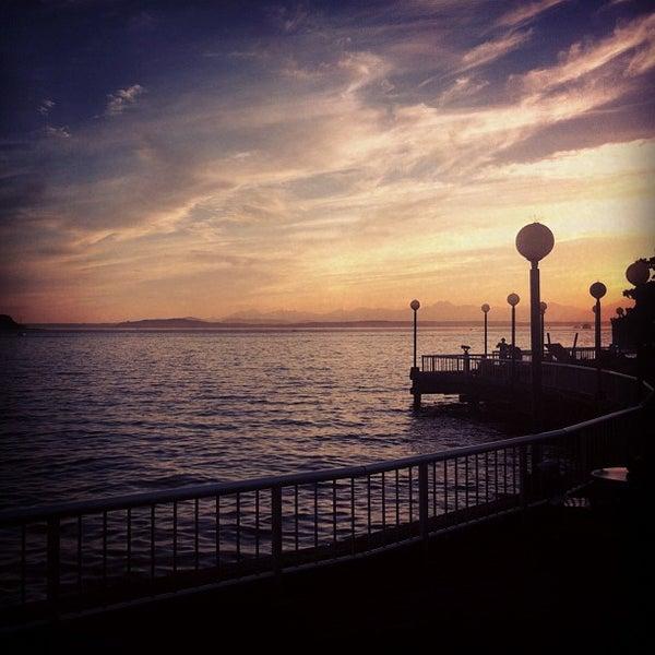 Das Foto wurde bei Waterfront Park von Andrea P. am 8/27/2012 aufgenommen