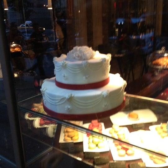Foto tomada en Brasserie Pushkin por Yekaterina R. el 6/15/2012