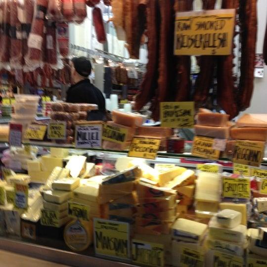 Foto diambil di Queen Victoria Market oleh Joe M. pada 6/29/2012