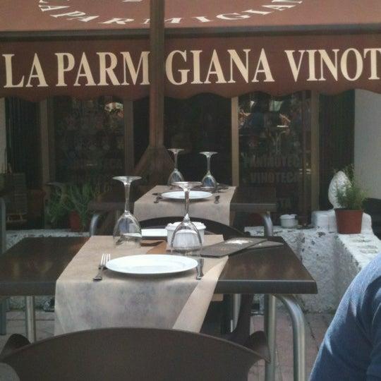 รูปภาพถ่ายที่ La Parmigiana โดย Yolanda L. เมื่อ 4/1/2012