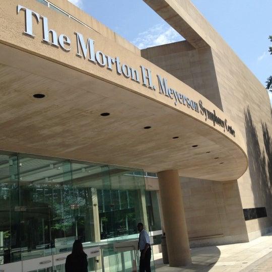 Foto tirada no(a) Morton H. Meyerson Symphony Center por Stuart R. em 6/14/2012