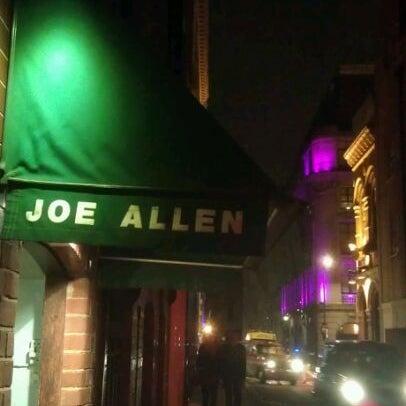 Photo prise au Joe Allen par Fishuc le2/25/2012