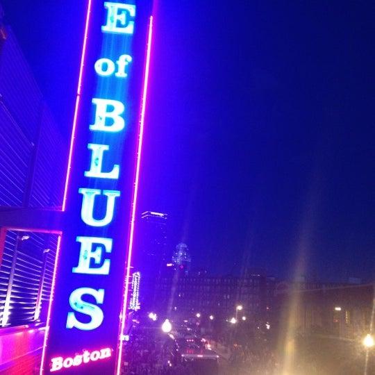 Foto diambil di House of Blues oleh Jay W. pada 6/10/2012