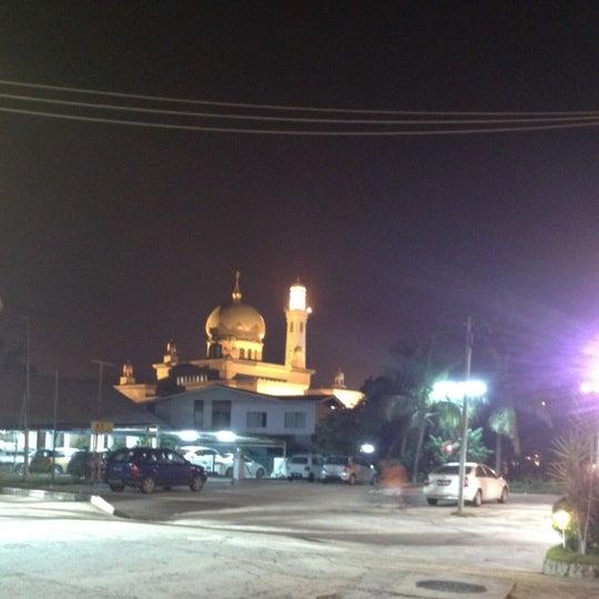 8/3/2012 tarihinde Sparklin(g_T')rs P.ziyaretçi tarafından Masjid Al-Ameerah Al-Hajjah Maryam, Kg Jerudong'de çekilen fotoğraf