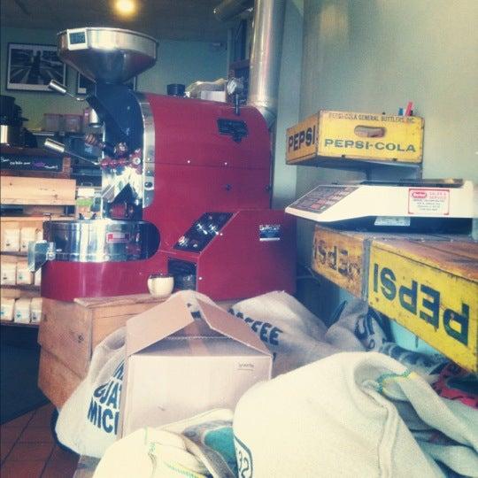 Foto tirada no(a) Ipsento Coffee House por Maureen em 7/9/2012