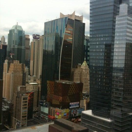 Снимок сделан в Sky Room пользователем Jeff K. 6/24/2012