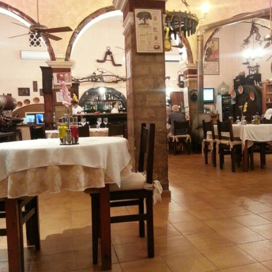 Foto tomada en Celler La Parra por Nicholas M. el 6/13/2012