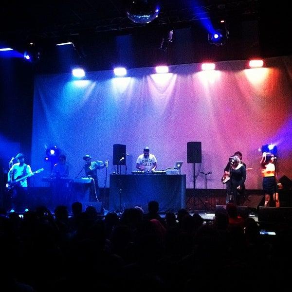 Foto tomada en Centro Cultural Amanda por Loreto P. el 4/28/2012