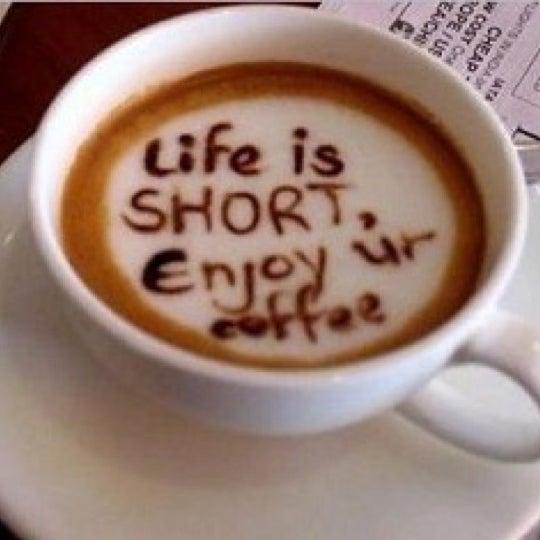Снимок сделан в Sunrise Coffee пользователем Shai S. 8/24/2012