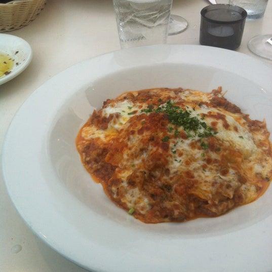 Foto scattata a Campagnolo Restaurant + Bar da Dzimm A. il 9/6/2012