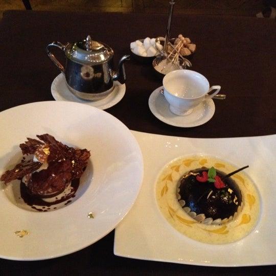 Foto tomada en Brasserie Pushkin por Hye W. H. el 8/27/2012