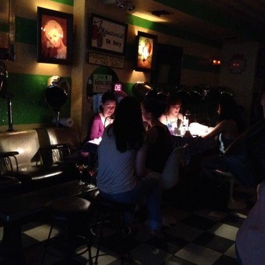 Foto scattata a Beauty Bar da Giulia R. il 6/23/2012