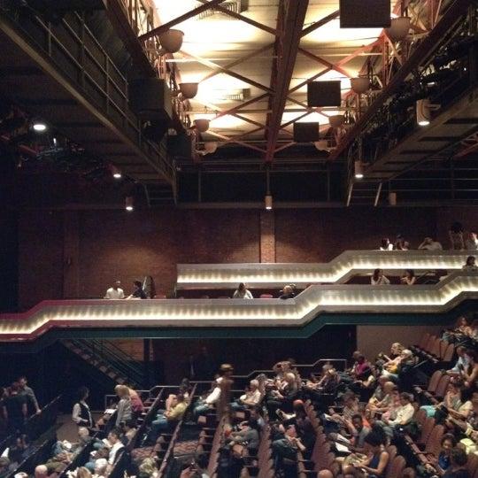Photo prise au The Joyce Theater par Claudia H. le5/19/2012
