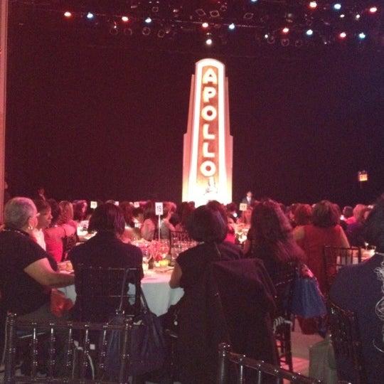 Das Foto wurde bei Apollo Theater von Nadia R. am 2/14/2012 aufgenommen