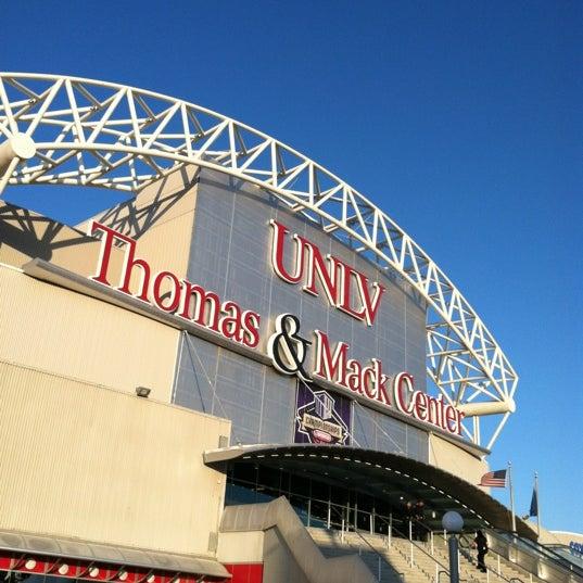 Das Foto wurde bei Thomas & Mack Center von Rob M. am 3/9/2012 aufgenommen