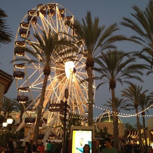 Снимок сделан в Irvine Spectrum Center пользователем Anne 7/29/2012