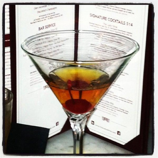 Foto tomada en The Lady Silvia Lounge por Jenna F. el 2/4/2012