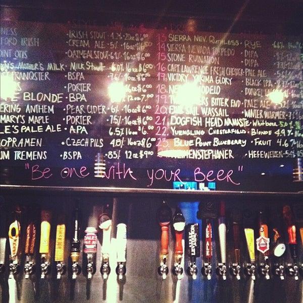 Photo prise au Buddha Beer Bar par Angel B. le2/17/2012