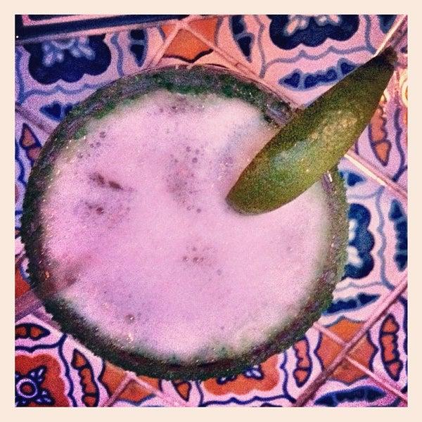 Foto scattata a Burrito Loco da April Joy C. il 3/5/2012