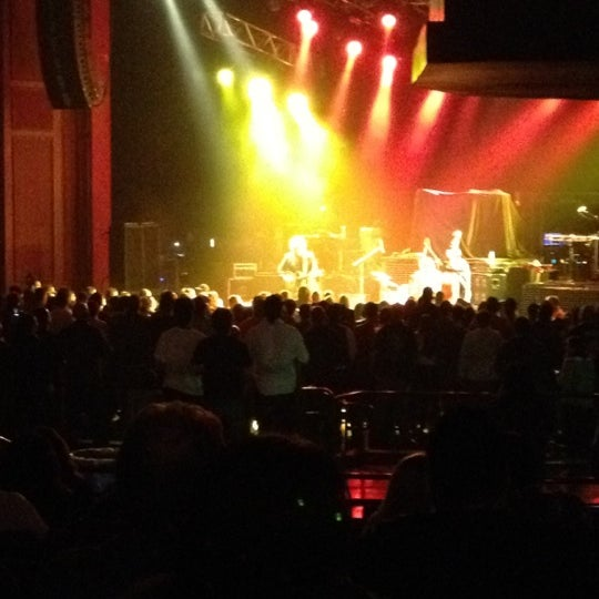 Foto diambil di The Fillmore Miami Beach at The Jackie Gleason Theater oleh Steve F. pada 3/6/2012