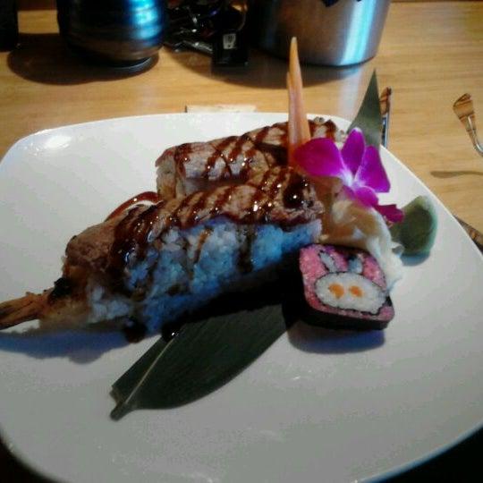 Das Foto wurde bei Mura Japanese Restaurant von Alexandria C. am 4/7/2012 aufgenommen