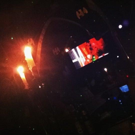 Das Foto wurde bei TOM'S Leather Bar von Oliver A. am 3/28/2012 aufgenommen