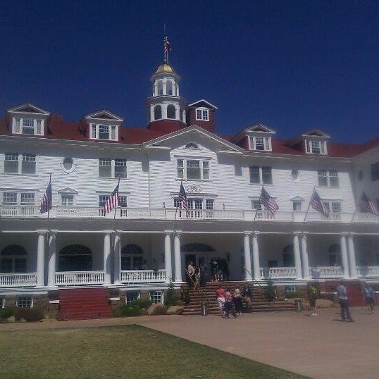 Снимок сделан в Stanley Hotel пользователем Lauren R. 4/8/2012