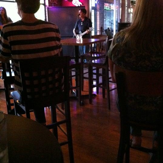 5/30/2012에 Sandi W.님이 Angelo's Cafe Vino에서 찍은 사진