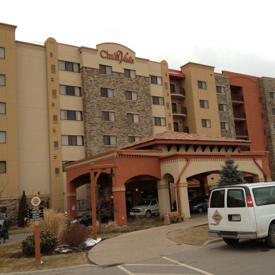 Foto tomada en Chula Vista Resort por Andrew B. el 2/26/2012