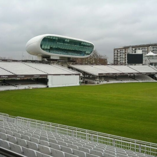 Foto tomada en Lord's Cricket Ground (MCC)  por Lourenco D. el 2/17/2012