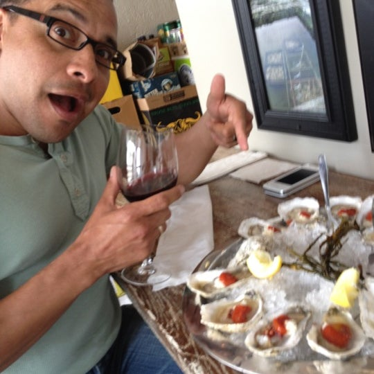 Photo prise au Henlopen City Oyster House par Ed G. le4/20/2012