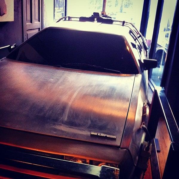 2/18/2012에 David R.님이 The Wormhole Coffee에서 찍은 사진