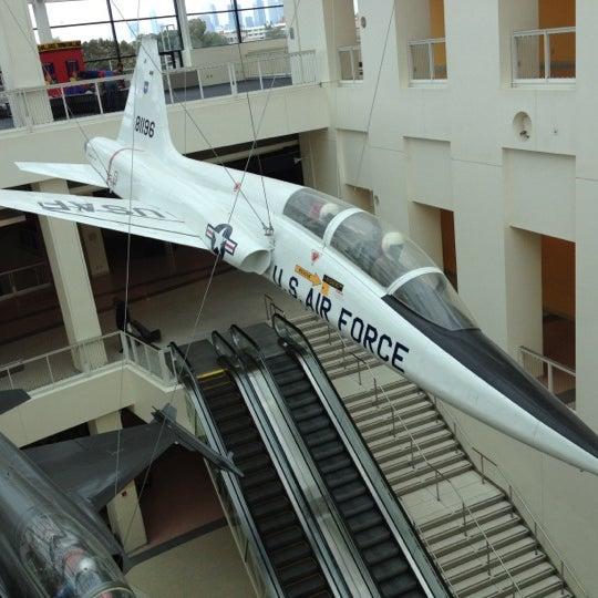 รูปภาพถ่ายที่ California Science Center โดย Oup J. เมื่อ 3/16/2012
