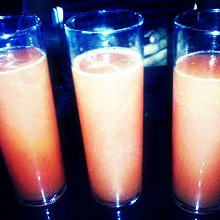 Das Foto wurde bei Royal Oak Bar and Grill von Tony R. am 4/22/2012 aufgenommen