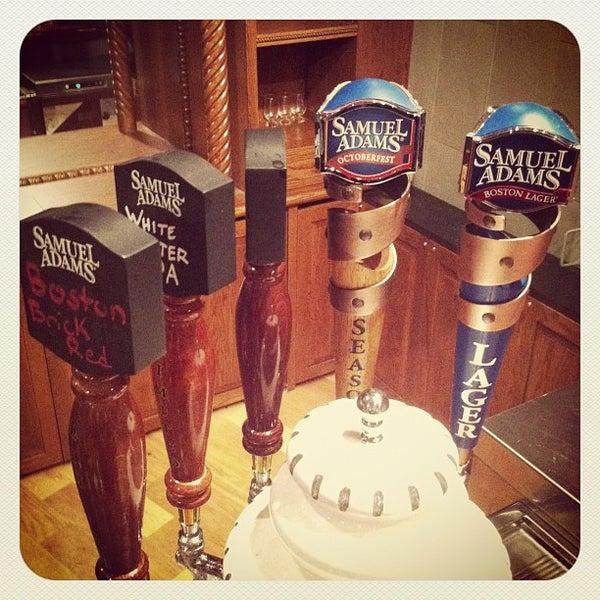 Photo prise au Samuel Adams Brewery par Don M. le8/25/2012